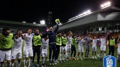 [한국 카타르] 8회 연속 올림픽 이끈 신태용의 파격 스리백