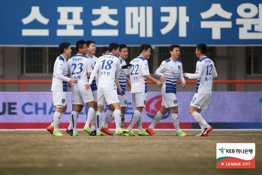 '임선영 골' 아산, 부천에 2-1 승...3위 도약