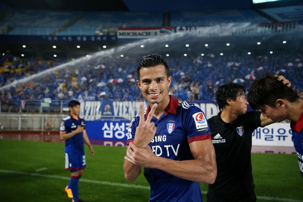 '4G 연속 멀티골' 조나탄, K리그 클래식 23라운드 MVP 선정