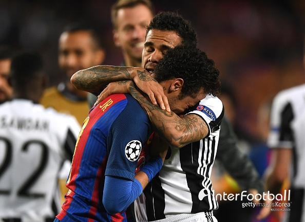"""알베스, """"네이마르의 PSG 이적? 두 팔 벌려 환영한다"""""""