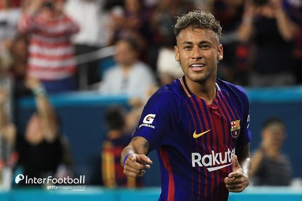 네이마르, 팀 동료들에게 PSG 이적 알려...바르사 복귀 없다(스페인 언론)