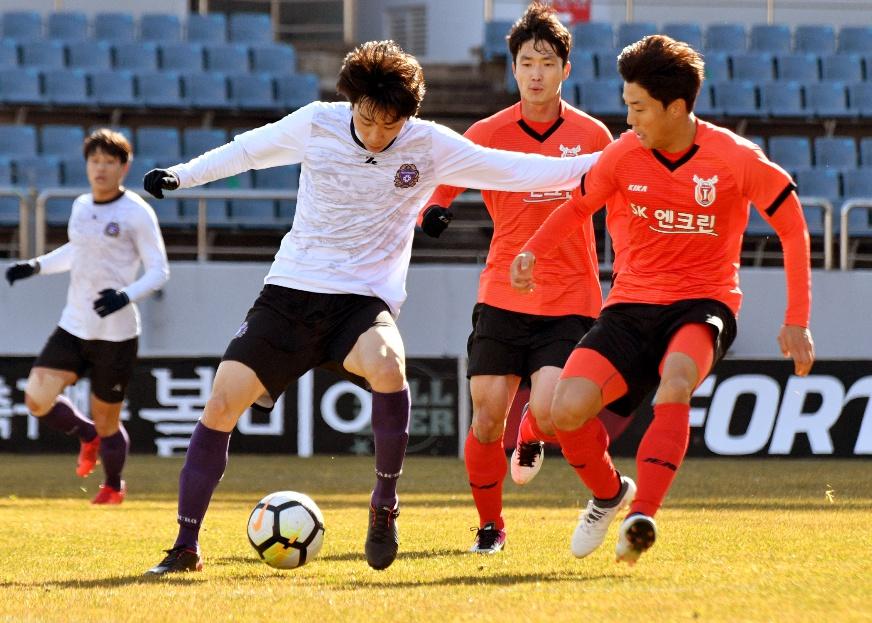 '확 달라진' FC안양, 연습경기서 제주와 1-1 무승부