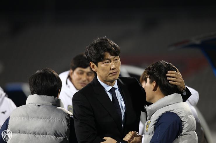 박동혁 아산 감독이 첫 승 후 가슴 뭉클했던 이유