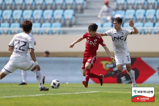 부산, 안방서 서울E 2-0으로 제압...2연승+3위