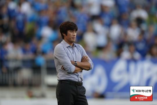 """서정원 감독, """"이른 실점으로 어려운 경기가 됐다"""""""