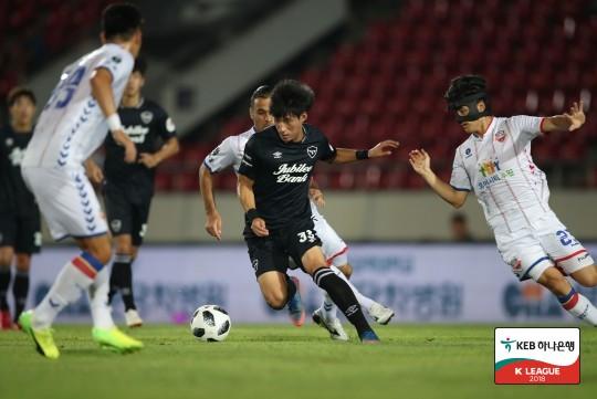 '아쉬운 결정력' 성남, 수원FC와 0-0 무승부...'선두 빨간불'